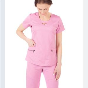 Ergo scrubs set